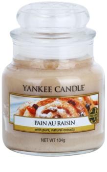 Yankee Candle Pain au Raisin świeczka zapachowa  104 g Classic mała