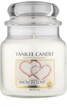Yankee Candle Snow in Love vela perfumada  Classic mediana