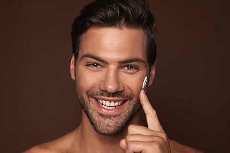 Najlepsze kremy nawilżające dla mężczyzn: ugaś pragnienie swojej skóry!
