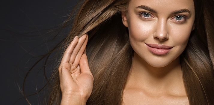 elektryzowanie włosów