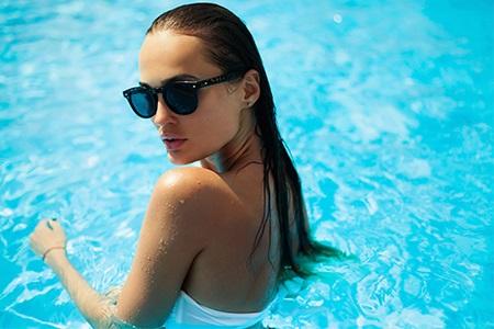 Makijaż wodoodporny: latem na pewno nie spłynie!