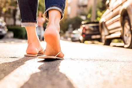 Piękne stopy bez zrogowaceń? Przygotuj się na lato!