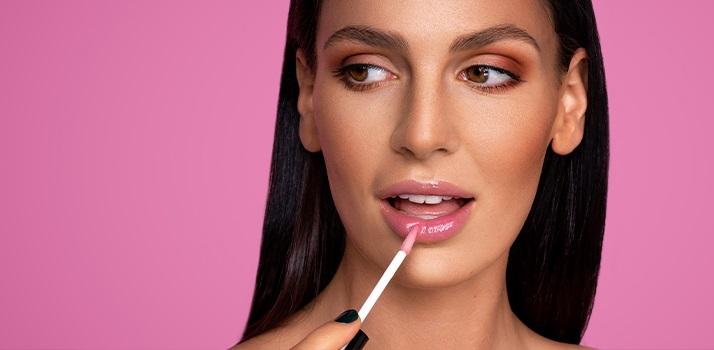 lipgloss-glaenzende-lippen