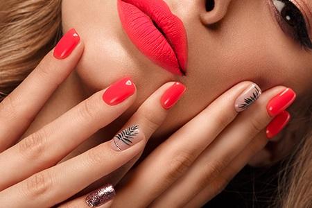 Rosa Fingernägel 6x anders