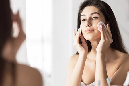 Tonisierung der Haut: Mit Gesichtstonikum zum makellosen Aussehen!