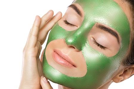 Peel-Off Masken: Gesichtsreinigung in einem Zug