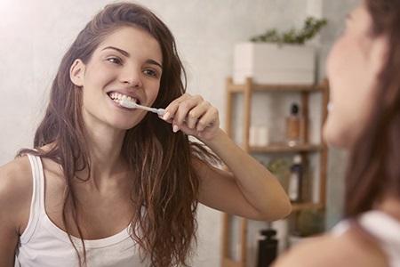Branqueamento de dentes em casa