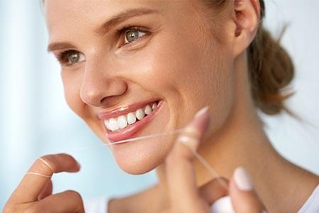 Qual è il modo giusto per lavare i denti? Scopri come fare per avere un sorriso perfetto!