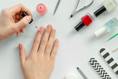 Perfekcyjny domowy manicure krok po kroku