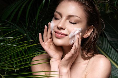 Найкращі пінки для очищення шкіри