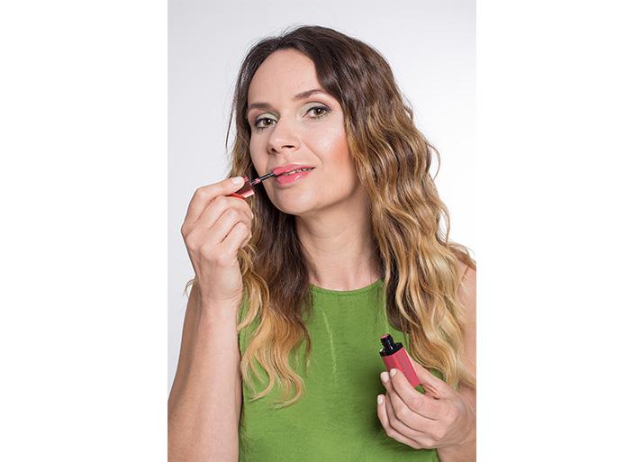 Maquillage vert lèvres