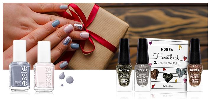 grey christmas nails