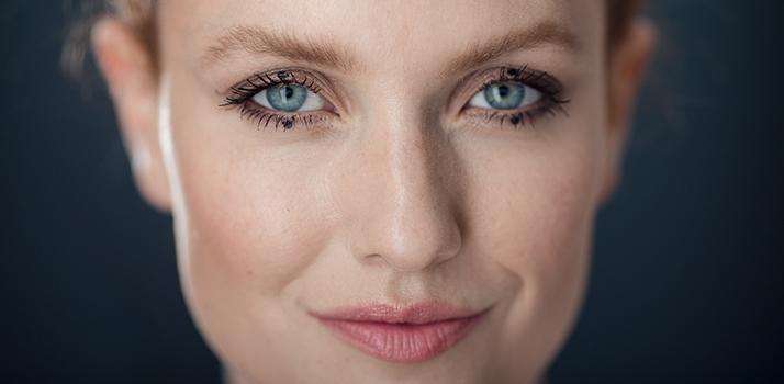 eye-liner en pointillés