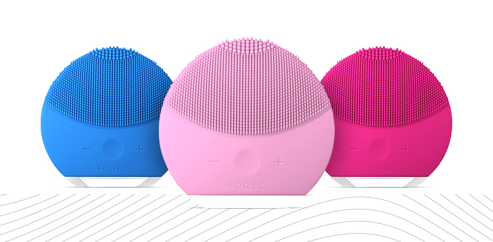FOREO sonic cleansing device
