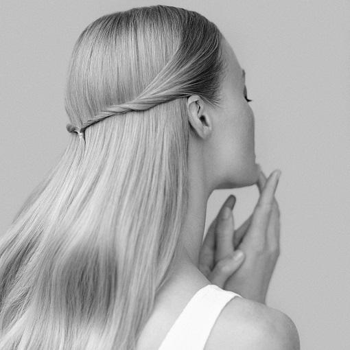 <center><strong id=dryhair>Ξηρά μαλλιά</strong></center>