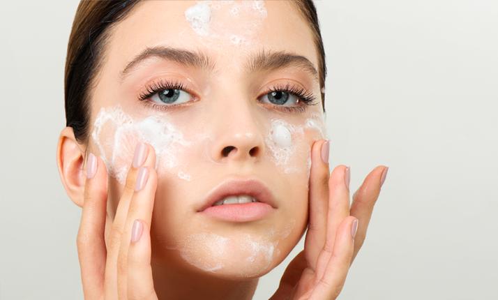 <center><strong>Limpeza da pele e remoção de maquilhagem<center></strong>