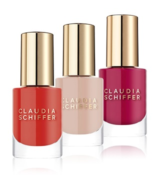 Claudia Schiffer Make Up Nagels