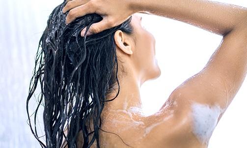 <center><strong>Step 2 – Correct Hair Washing</strong></center>
