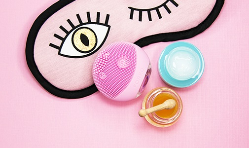 <center><strong> FOREO LUNA go FOR SKINCARE AROUND THE WORLD</strong></center>