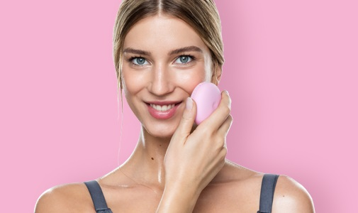 <center><strong>FOREO LUNA play plus FOR THE ONES THAT TRY BEFORE THEY BUY</strong></center>