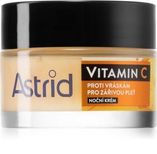 Astrid Vitamin C Nachtcreme mit verjüngender Wirkung für ein strahlendes Aussehen der Haut