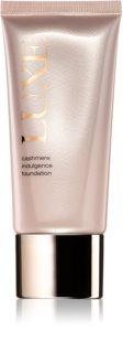 Avon Luxe Makeup легкая тональная основа с подсвечивающим эффектом для придания матовости