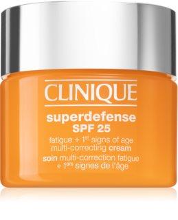 Clinique Superdefense SPF 25 krema proti prvim znakom staranja za suho in mešano kožo