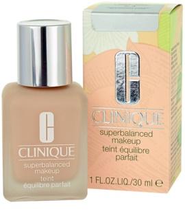 Clinique Superbalanced™ Makeup hedvábně jemný make-up