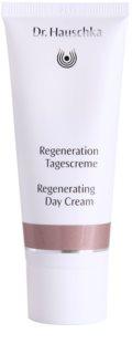 Dr. Hauschka Regeneration crème de jour régénératrice pour peaux matures