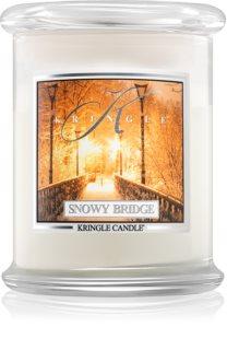 Kringle Candle Snowy Bridge dišeča sveča
