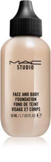MAC Studio lahki tekoči puder za obraz in telo