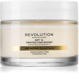 Revolution Skincare Moisture Cream hidratante para peles normais a mistas SPF 15