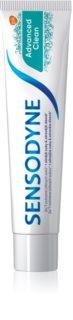 Sensodyne Advanced Clean dentifricio al fluoro per una protezione completa dei denti