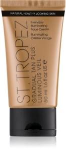 St.Tropez Gradual Tan Plus Luminous Veil crema facial de bronceado gradual