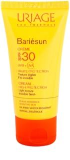 Uriage Bariésun crema fata iluminatoare de protectie SPF 30