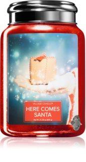 Village Candle Here Comes Santa vonná svíčka
