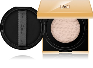 Yves Saint Laurent Touche Éclat Le Cushion base iluminadora liquida numa esponja