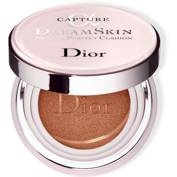 Dior Capture Dreamskin Moist & Perfect Cushion fond de ten hidratant, în burete SPF 50 notino.ro