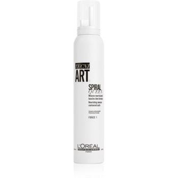 L'Oréal Professionnel Tecni.Art Spiral Queen spumă de coafat pentru definirea și forma coafurii pentru păr creț imagine 2021 notino.ro