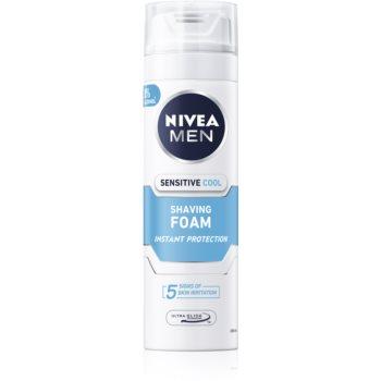 Nivea Men Sensitive spumă pentru bărbierit cu efect racoritor imagine 2021 notino.ro