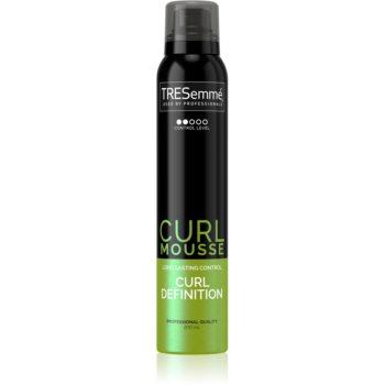 TRESemmé Botanique Cactus Water & Coconut spumă de styling pentru păr creț imagine 2021 notino.ro