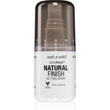 Wet n Wild Photo Focus fixator make-up imagine 2021 notino.ro