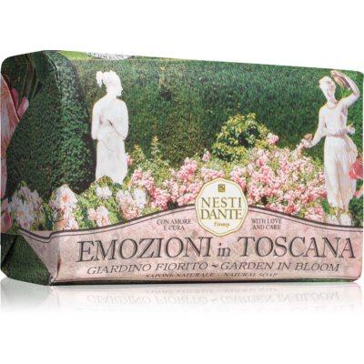 Nesti DanteEmozioni in Toscana Garden in Bloom
